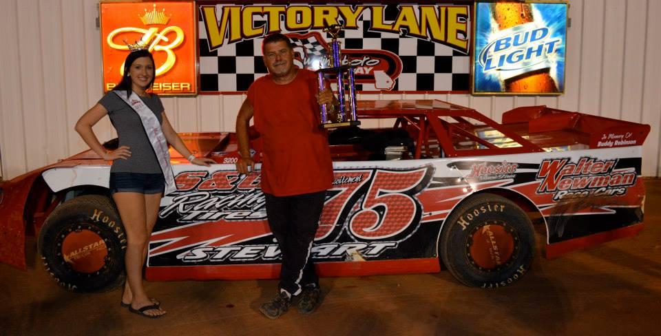 Stewart totes home $2000 win at Swainsboro Raceway!