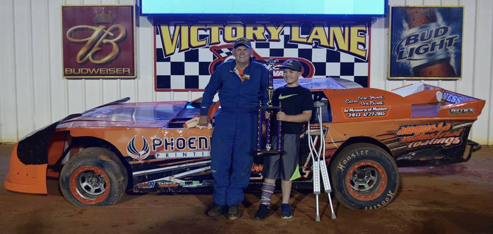 Maness and Mimbs Celebrate with Victory at Swainsboro Raceway!